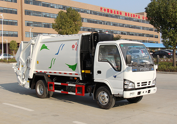 庆铃压缩式垃圾车图片|3吨压缩式垃圾车